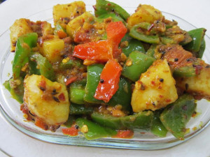 Shimla Mirch Aloo ki Sabzi , Capsicum and Potato Curry