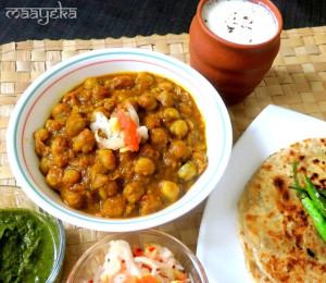 Punjabi Chhole (Chick Peas in Tangy Tomato Gravy)