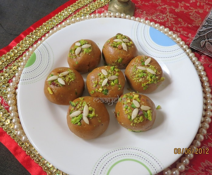how to make besan ke laddu