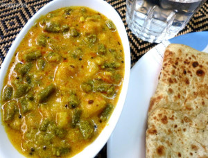Yardlong Beans and Potato Curry / Barbati Aloo ki Subzi