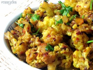 Aloo Gobhi ki subzi ,Potato and Cauliflower stir fry