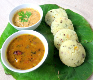 Corn Rava Idli with Coconut Chutney
