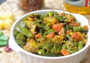 Sem Aloo ki Subzi / Broad Beans and Potato stir fry