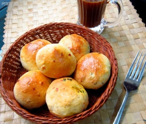Eggless Stuffed Buns