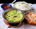 Gujarati Bhinda ki Kadhi / Okra and Yogurt Stew
