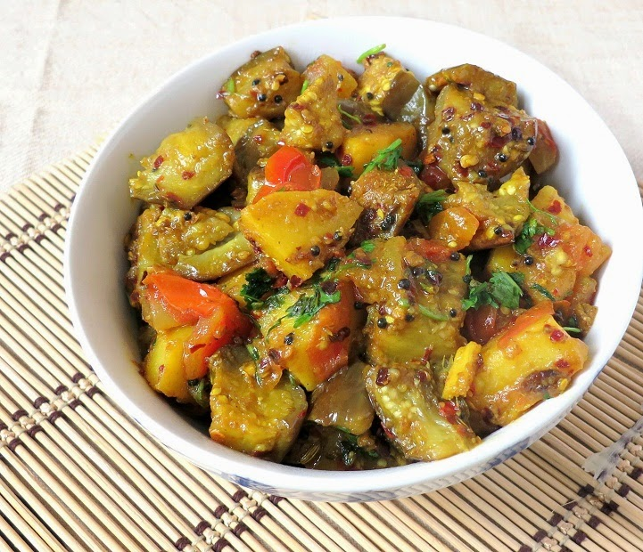 how to make potato and brinjal curry