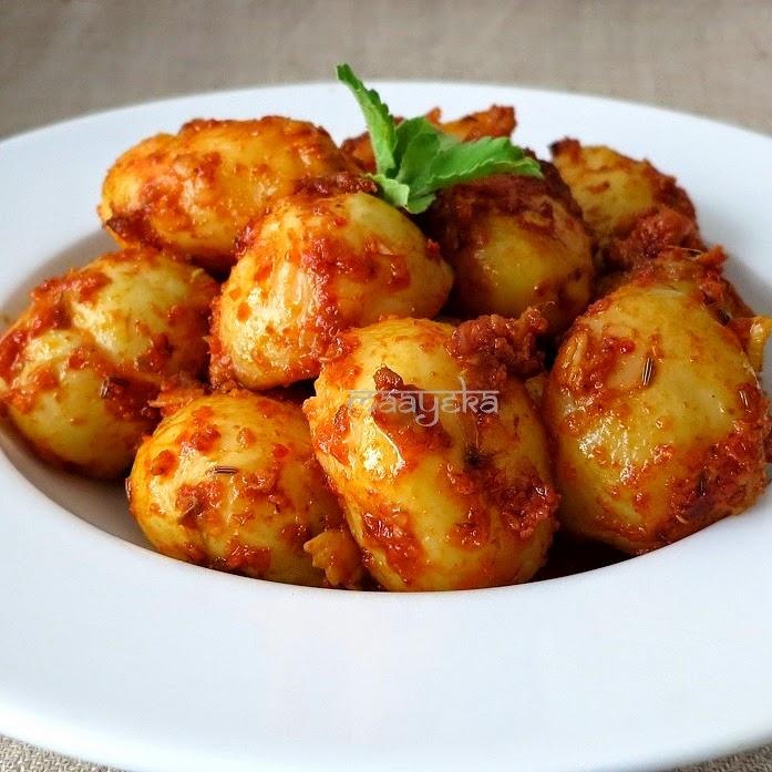 how to make achari aloo