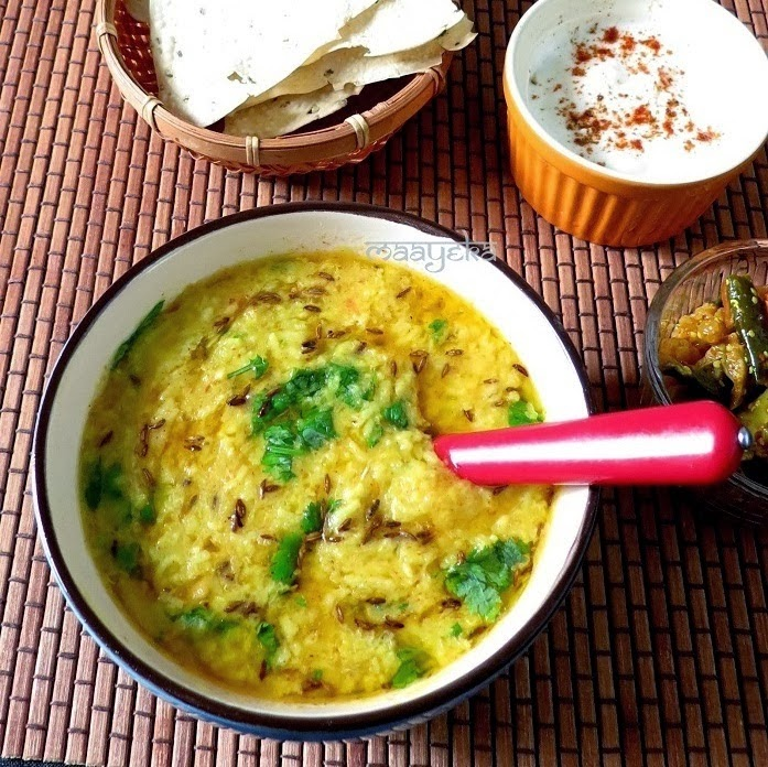 how to make moong daal khicdi