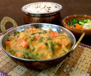 Vegetable Makhanwala / Mixed Vegetables in Tomato Cream sauce