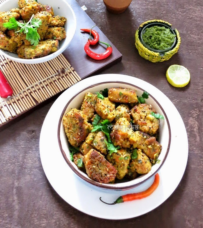 healthy steamed dumpling of mix vegetable spices and gram flour
