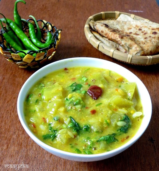 bottle gourd and yellow lentil curry