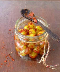 Achari Angoor , Instant Grape Pickle