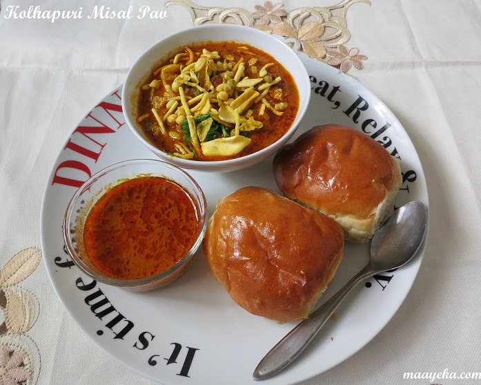 Kolhapuri misal pav spicy tomato stew with sprouts maayeka how to make misal pav forumfinder Image collections