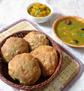 Urad Daal ki Khasta Kachori (Bedvi)  / Deep fried Lentil Shells