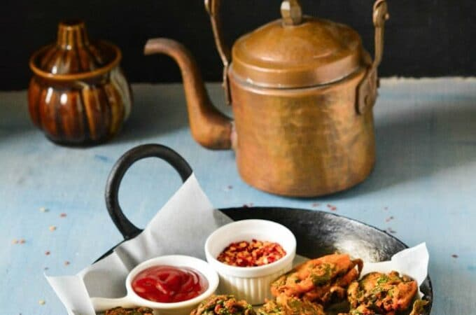 crisp palak bhajiya pakoda